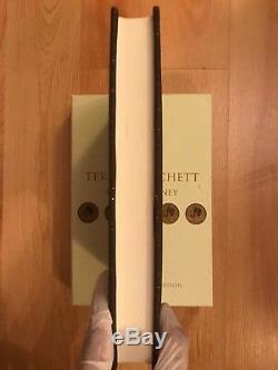 Making Money signed numbered to 2500 slipcase limited Terry Pratchett Discworld