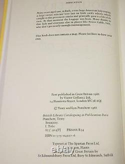 SOURCERY, Terry Pratchett, SIGNED (full name), UK 1st/1st, Like New, 1988